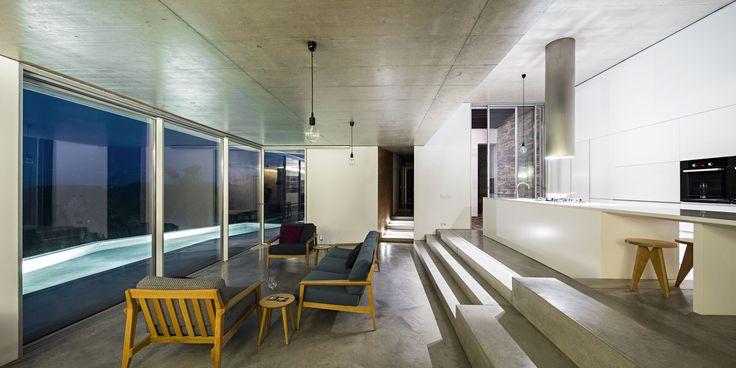 Gallery of House in Gateira / Camarim Arquitectos - 20