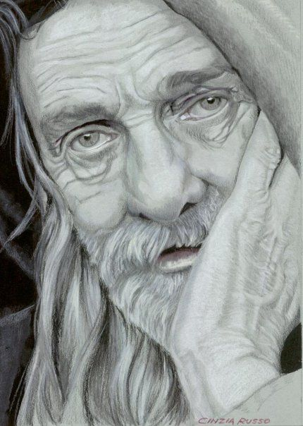 Cinzia Russo - drawing with pencils