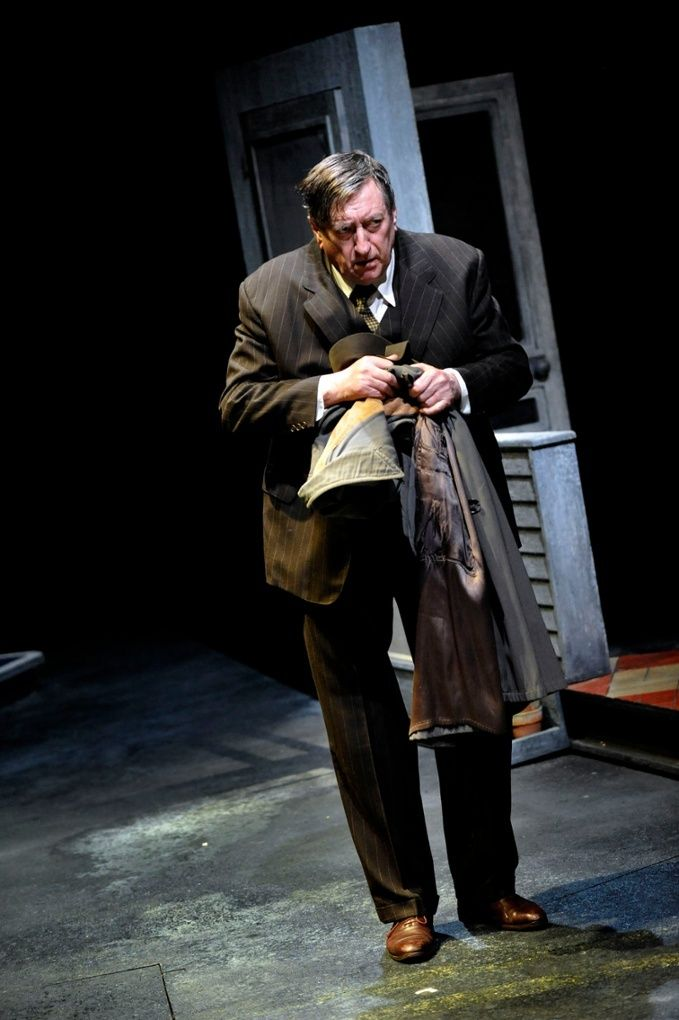 The chase for the american dream in the play death of a salesman by arthur miller