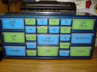 Mrs. Plant's Press: Cute desk organizer.  I love her idea of printing out label on colored cardstock and using double sided tape to stick them.  Great idea for my Sterlite containers.
