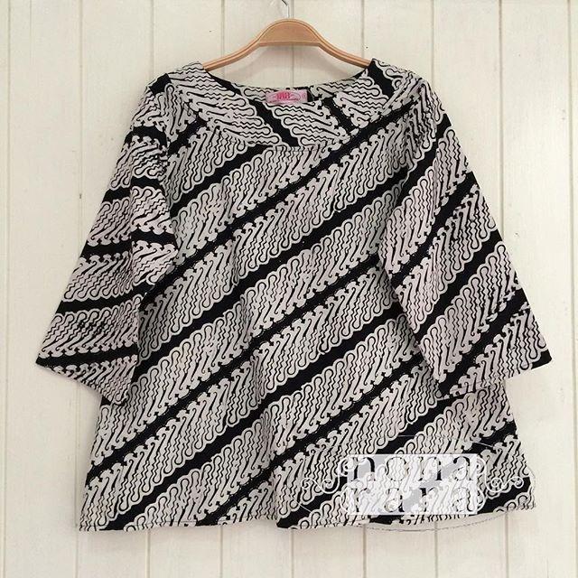 B270623 - IDR195.000 Bustline : 90cm Fabric: Batik Cap Garut