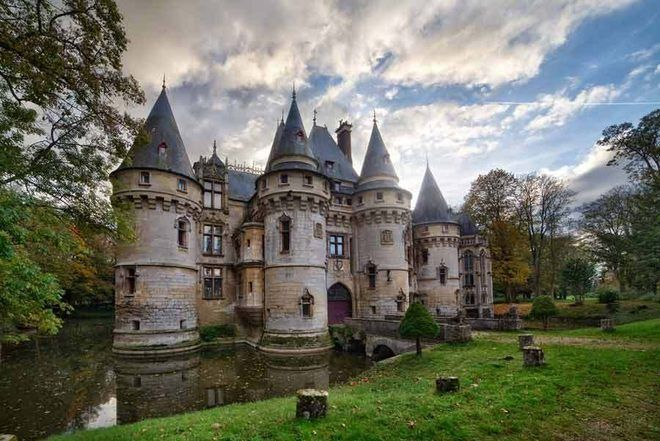 This Castle In France Is For Sale And It's Amazing. It cost $5.69 million dollars