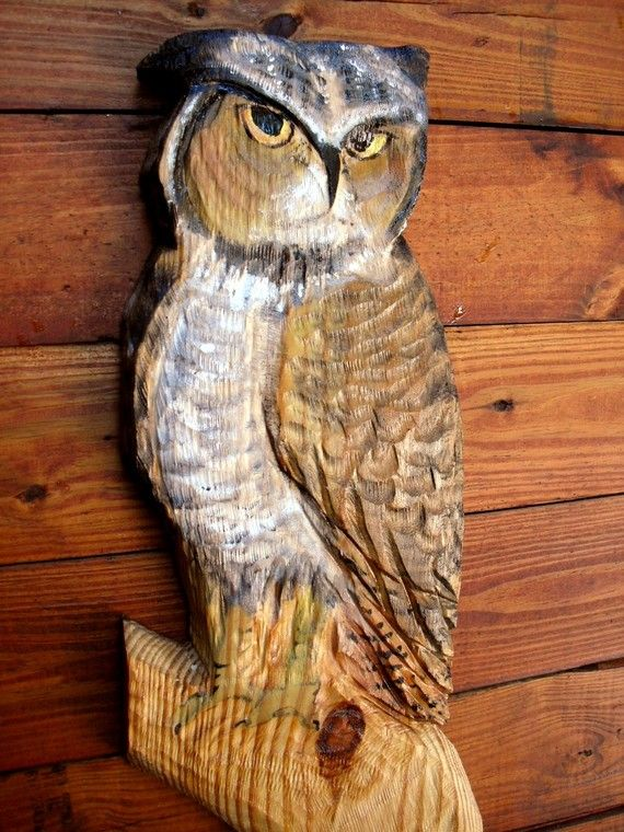 Great horned owl chainsaw carving lake cottage patio art