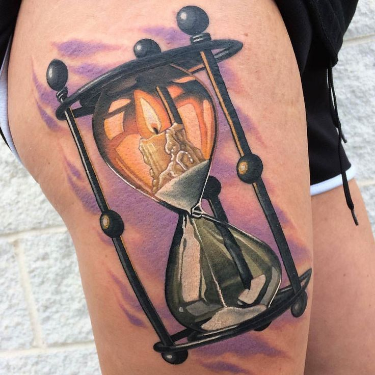 Hourglass tattoo vorlage  596 best Hourglass Tattoos images on Pinterest | Hourglass tattoo ...