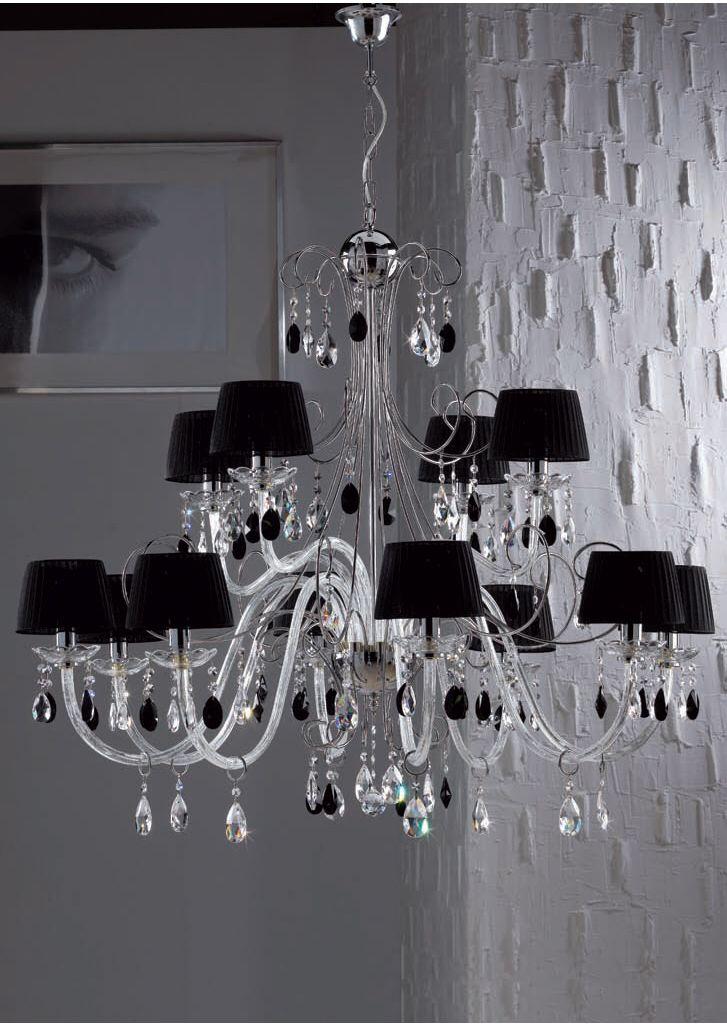 Questo stupendo lampadario rientra nella l'usta dei miei oggetti che desidero!!