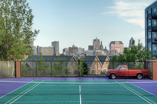 guide to tennis courts: Milwaukee Fun, Favorite Places, Brewers Hills, Guide To, Backyards Tennis Court, Hills Court, Marquita Sorpresa