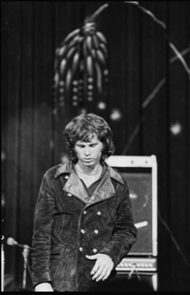 jim morrison a legend of his Jim morrison from boy to legend hope is just a word when you think in table cloths laughter will not end her funny biography of jim morrison.