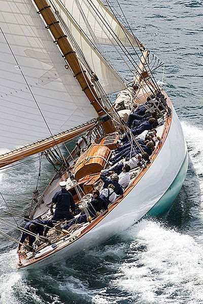 Mariquita, 125' gaff rigged cutter by Fife, 1911