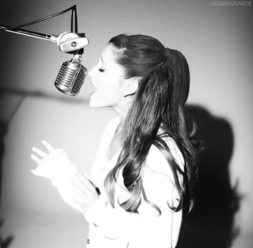 Ariana Grande is quickly becoming my fav singer! She's done something that many singers don't even attempt by covering one of Whitney Houston's songs.