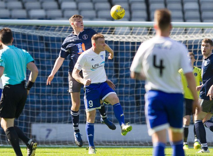 Queen's Park's Cammy Foy in action during the Ladbrokes League One game between Queen's Park and Peterhead.