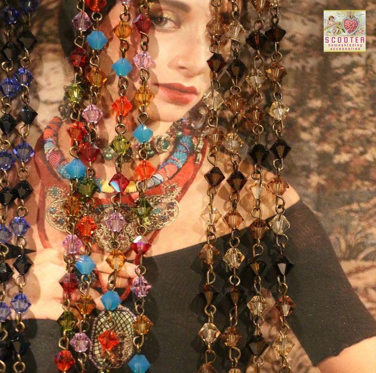 #Halskettingen geven kleur aan het leven  #Scooter #Enschede l #Haverstraatpassage l #Damesmode l #Sieraden l #Parfum l #Tassen l #Sjaals l