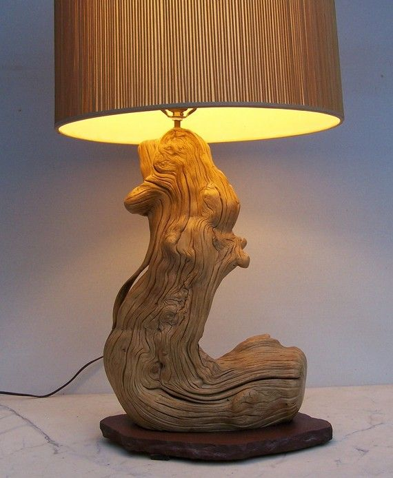 love love love driftwood lamps