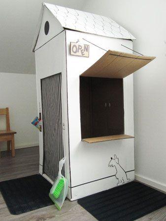 """Casa de cartón molona. Solo un """"pero"""": ¿dónde están las #tejas #ROOFY?"""