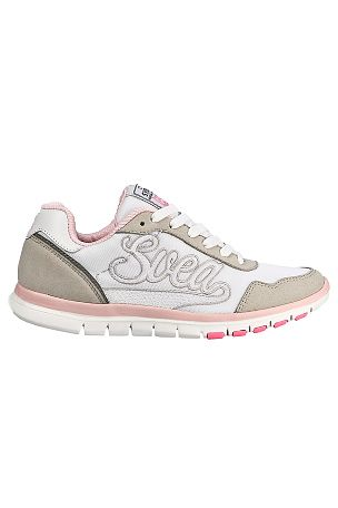 Svea Sneakers