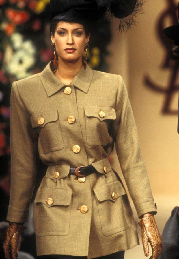 Une saharienne haute couture en janvier 199373330 Marineau/Starface 1993-01-01 inconnu Défilé de mode Haute Couture Printemps-Eté 1993. Yves Saint Laurent. | STAR_73330_007 73330 inconnu Marineau/Starface _sans_perso