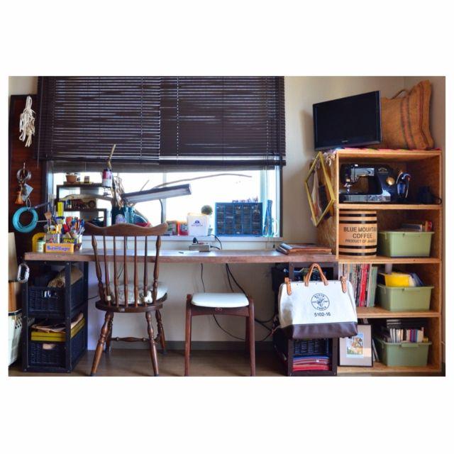 hitomixさんの、机,DIY,ワークスペース,ニトリ,コーヒー樽,作業部屋,ヴィンテージ,中古住宅,男前,OSB合板,秋田木工,作業デスク,西海岸インテリア,中古を買ってリノベーション,ヴィンテージライト,KLEIN TOOLS,工業用コンテナ,のお部屋写真