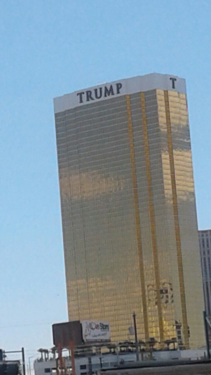 Trump Tower in Las Vegas,  how, and why????