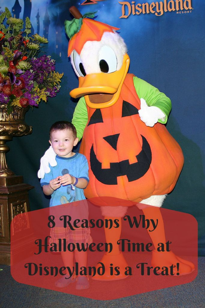 8 Reasons Why Halloween Time at Disneyland is a Treat!