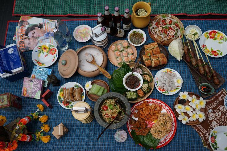 Thai style picnic @ Taipei station 台北車站之泰國風野餐