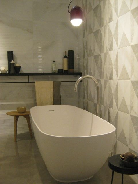 Betty #bathtub designed by R&D for #MastellaDesign. @Marazzitile #Marazzi #showroom #Milan #designbathtub #designbath #bathroom