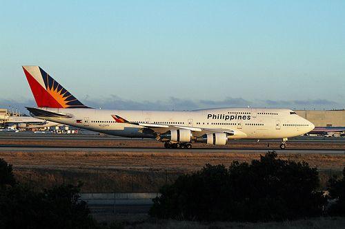 Philippines, Boeing 747-400