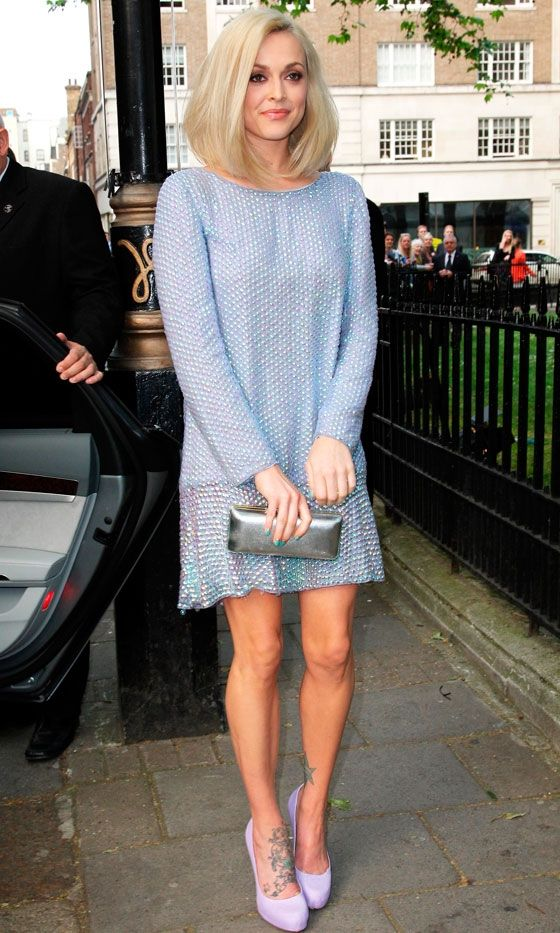 Fearne Cotton is looking gorgeous here, love her simple sophisticated style and the colour is beautiful x #CelebrityStyle