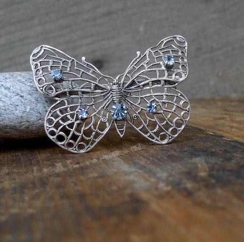 Na křídlech odraz nebe ... motýlí brož