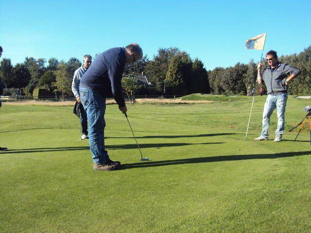PItch & Putt golfspel als onderdeel van een prachtige dag skutsje-zeilen met het bedrijf of familie-uitje.