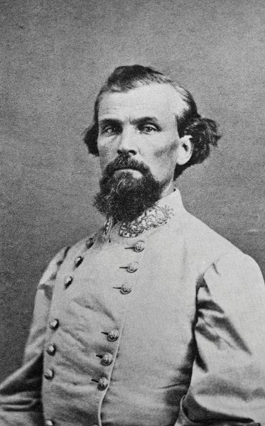 "Der ""Große Hexenmeister"":  Nathan Bedford Forrest war der Prototyp eines Ku... The ""Grand Warlock"": Nathan Bedford Forrest was the prototype of a Ku Klux member. The slave traders and plantation owners was before the Civil War one of the richest men of the South. As Confederate general he was pulled against the Northern States into the war, which brought him at the end of almost all of its assets. In 1866 he was appointed as the ""Great Warlock"" for the first commander in chief of the Ku Klux…"