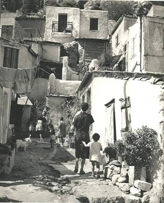 Γειτονιές, άνθρωποι, οικογένειες στην Πλάκα