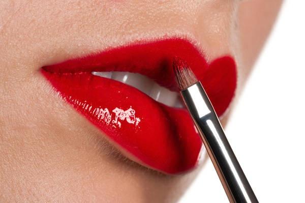 trucco labbra rosse... bellissimoooooooo!!!!!!!