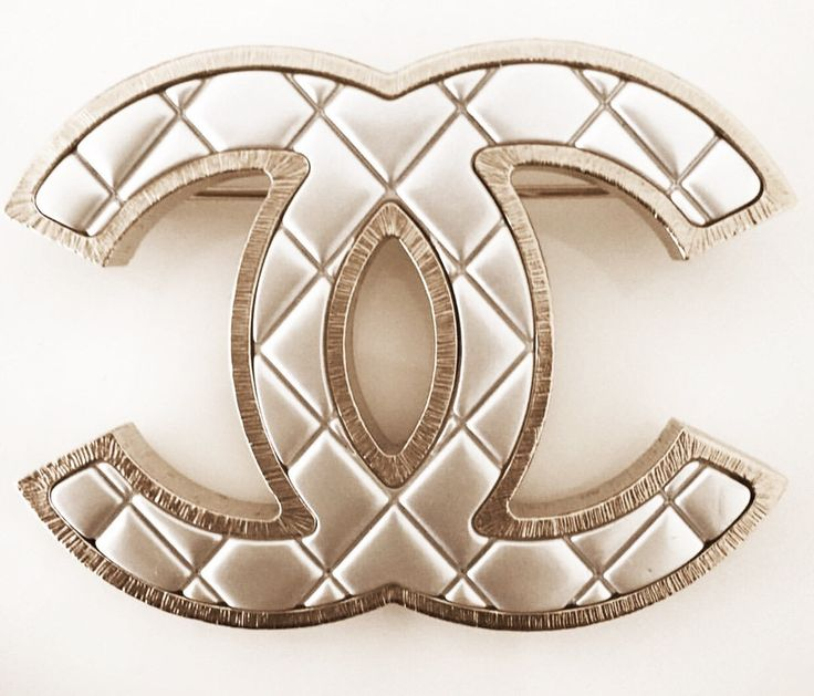 Chanel Brooche Iconic Quilted ( New)