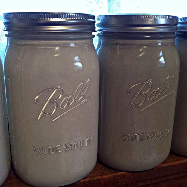 Use Mason Jars To Store Leftover Paint!