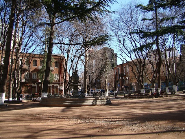 Tbilisi, Mgrvali park (feels like Brooklyn)