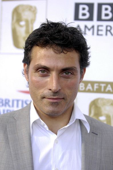 Rufus Sewell Photos Photos - Rufus Sewell poses for a picture at the 6th Annual BAFTA Tea Party September 20, 2008 at the Intercontinental Hotel in Los Angeles, California. (Photo by Toby Canham/Getty Images) * Local Caption * Rufus Sewell - 6th Annual BAFTA TV Tea Party