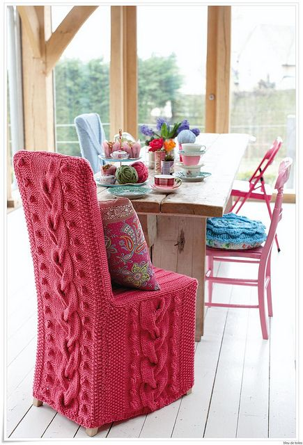 CHAIRCOVER2 by bleudetoiles, via Flickr: Dining Rooms, Idea, Pattern, Crafts Rooms, Knits Chairs, Pink Chairs, Chairs Covers, Knits Projects, Cable Knits