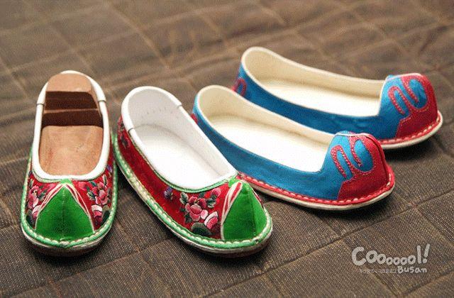 당혜(Dang hye) Korean traditional shoes.