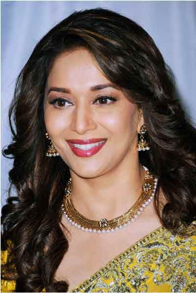 Long Curls Indian Hairstyles For Round Faces #madhuridixit