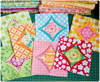 Easy cathedral windows and tutorial link: Tutorials Link, Quilts Blocks, Precious Wip, Moje Skarbi, Easy Cathedrals, Cathedrals Window, Faux Cathedrals, Window Tutorials, Quilts Tutorials