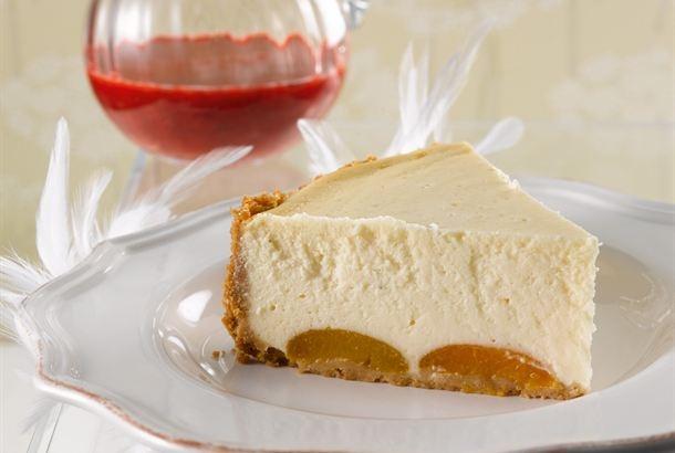 Erilaiset juustokakut ovat suosiossa. Tämä kakku hyydytetään uunissa paistamalla, ja sen täytteessä on käytetty laktoositonta maitorahkaa ja tuorejuustoa. http://www.valio.fi/reseptit/aprikoosi-cheesecake/