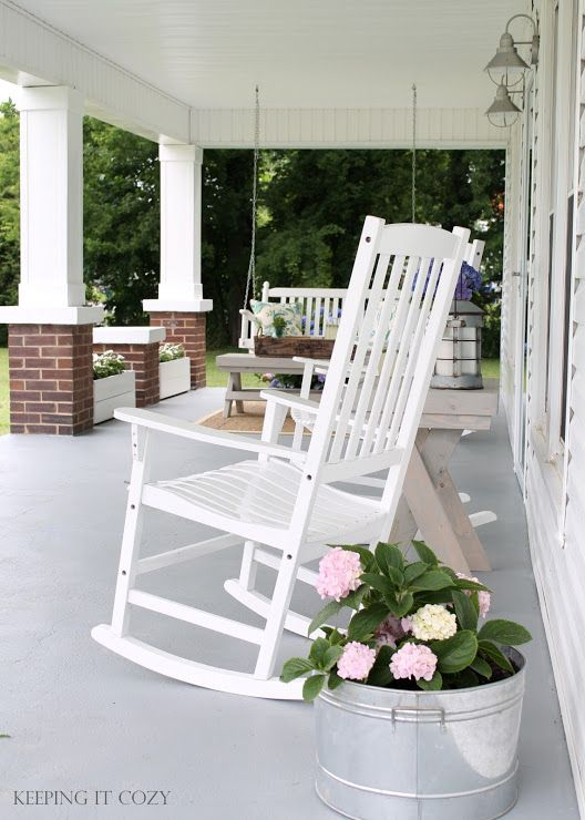 Front porch with no rail