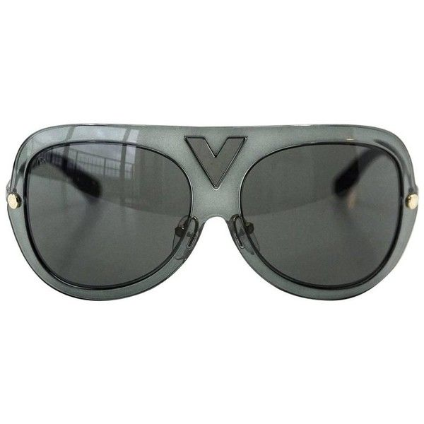 0a7968c8c5e Preowned Louis Vuitton Sunglasses Gray Aviators (3.290 BRL) ❤ liked on  Polyvore featuring accessories