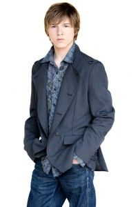 Paul Butcher Hairstyle, Makeup, Suits, Shoes and Perfume