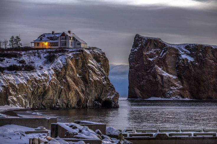 "https://flic.kr/p/CY6rLA | Canon 6D - House on the rocks | Waiting for my first sunrise of the year 2016 in front of the ""Rocher Percé"" in Gaspésie, Québec, Canada  Canon 6D and 70-200mm"