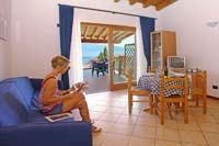 Wunderschöne Unterkunft in Ferienwohnungen am Gardasee und in Gargnano. Dienstleistungen: Seesicht, Fitness, Internet, Poolbar, Hallenbad, Schwimmbad, Sauna und Spielplatz.