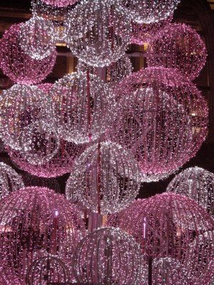 sparkle - I am making these for the girls' room using that balloon and string tutorial - but adding glitter!!