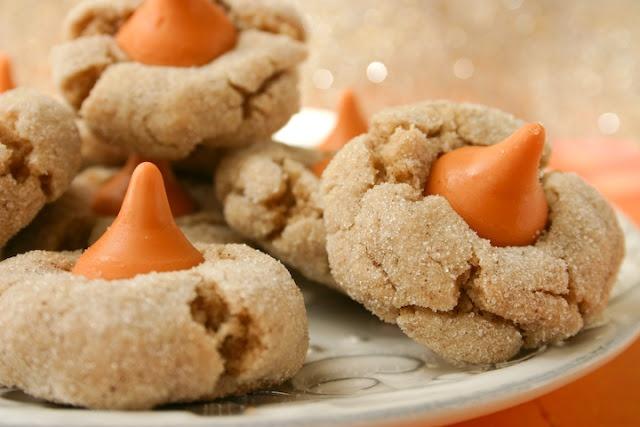 Cinnamon Pumpkin Spice Kiss Blossoms | Recipes - Pumpkin Madness ...
