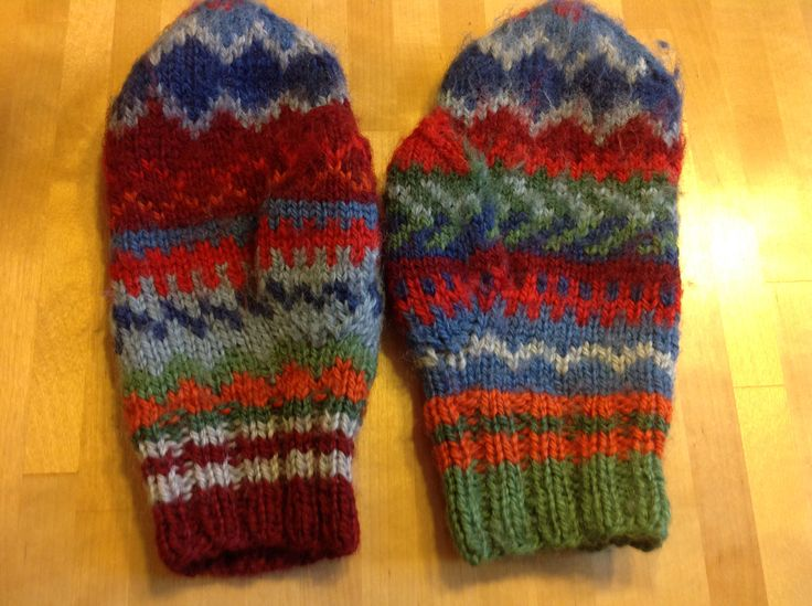 """My first knitted mittens """"Camilla"""", created white knitting for Christmas 1999 : by PS."""