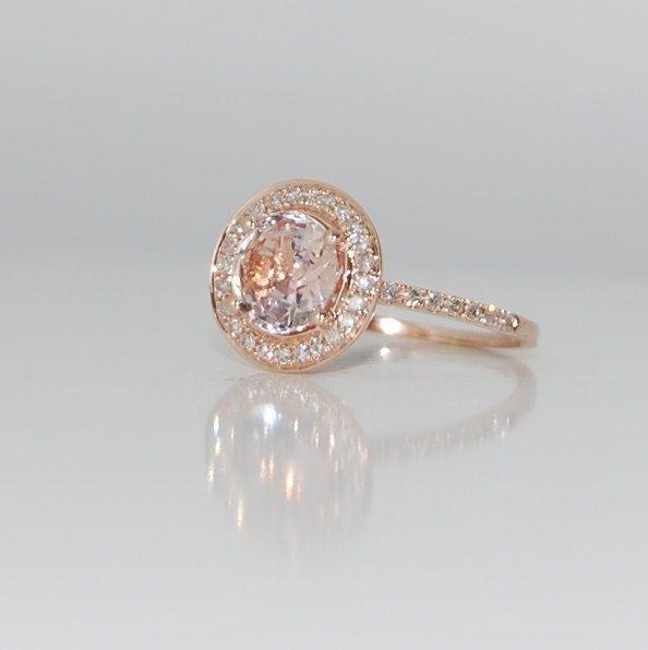 Peach Champagne Sapphire. Oh my :) and surprisingly, love it in gold! Gorgeous and so unexpected. THIS IS PERFECT. LOOK @Mika Nitz Pettersson Nitz Pettersson Wright