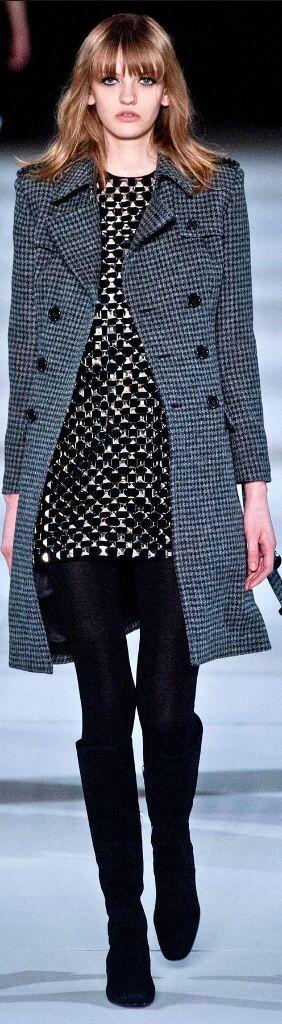 Yves saint laurent mode pr t porter haute couture for Haute couture and pret a porter